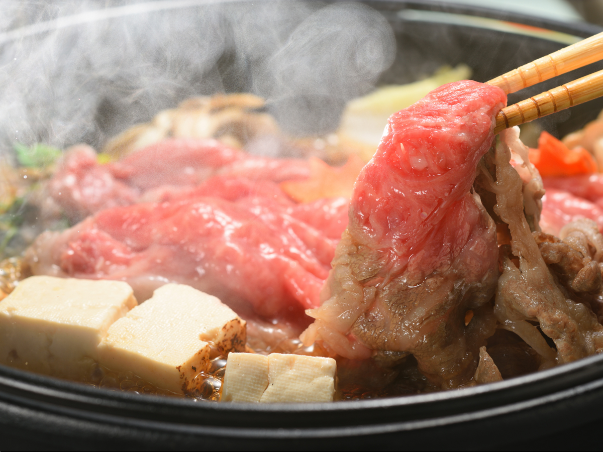 寒暖の差が生んだ美味しさ、きめ細やかな贅沢な肉質…すき焼きプラン